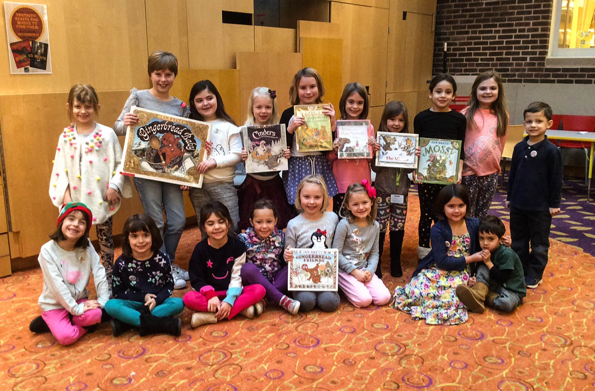 Lake Forest Library personalized storytime attendees