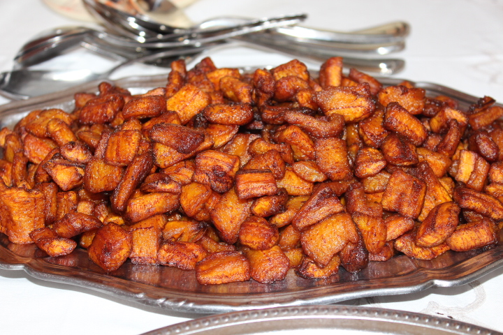 Un_plat_d'alloco_Fried_Plantains.JPG