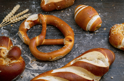 Pretzels by Wesual Click on Unsplash.